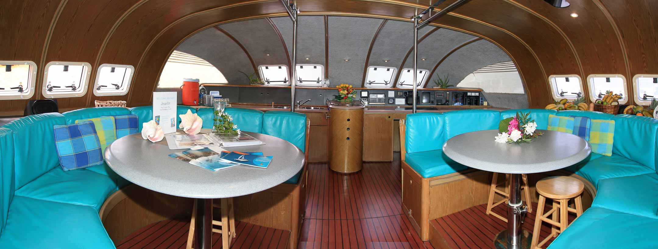 TradeWinds Marquises 56 Cruising Class Yacht indoor view