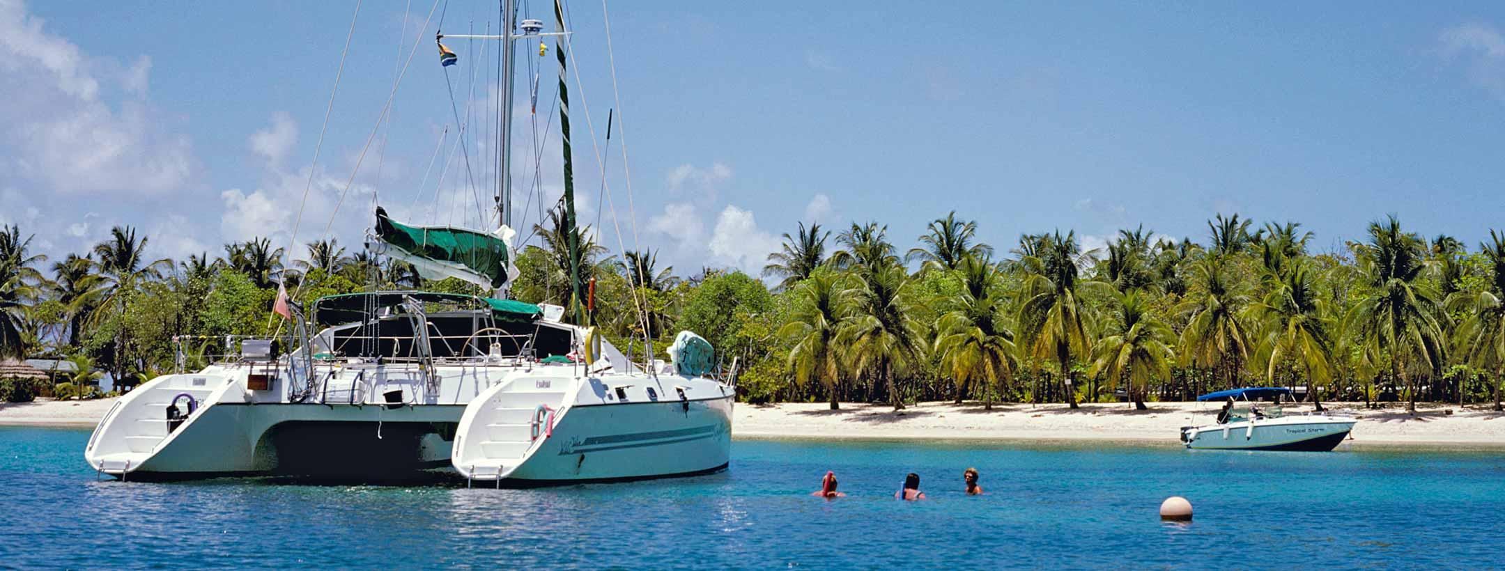 TradeWinds Privilege 51 Cruising Class Yacht stern