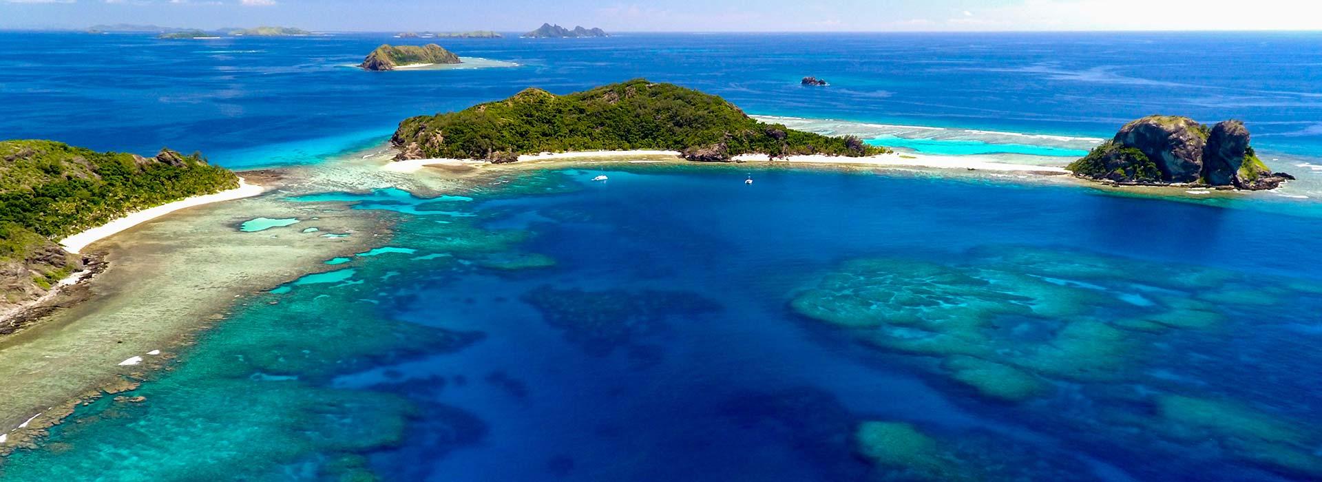 Luxury sailing in Fiji