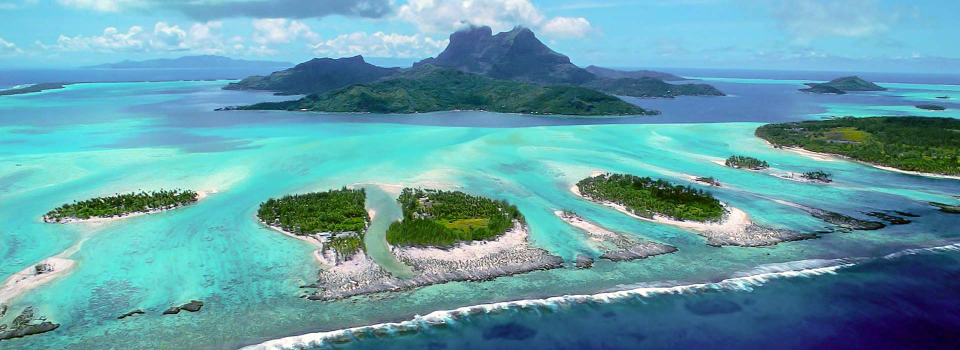 Exotic sailing in French Polynesia